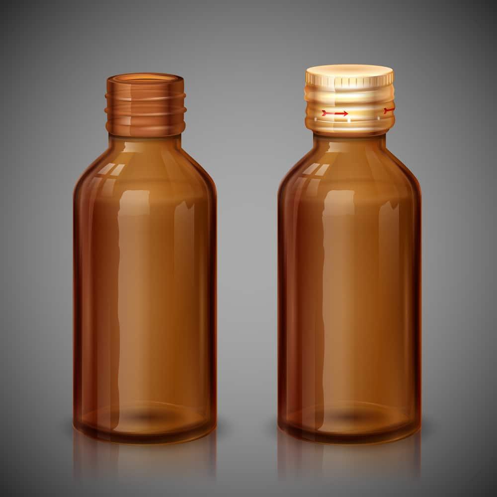 две бутылки с настойкой