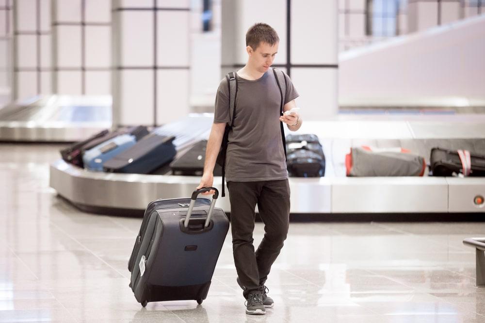 Можно ли провозить самогон в багаже самолета по России