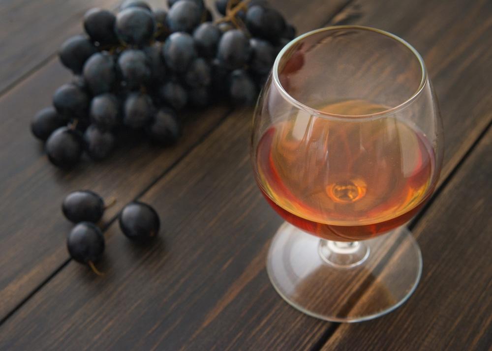 Как приготовить домашний коньяк из винограда
