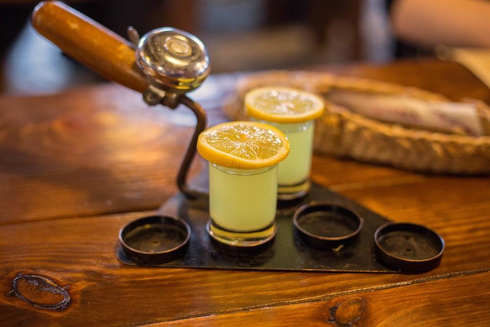 Лимонная настойка на самогоне: необычные рецепты