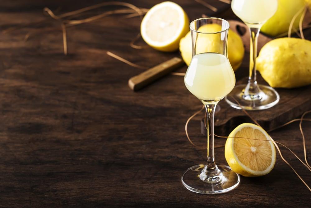Лимонная настойка на самогоне: рецепт приготовления