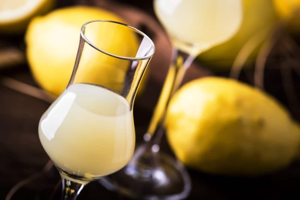 Лимонная настойка на водке с целыми лимонами