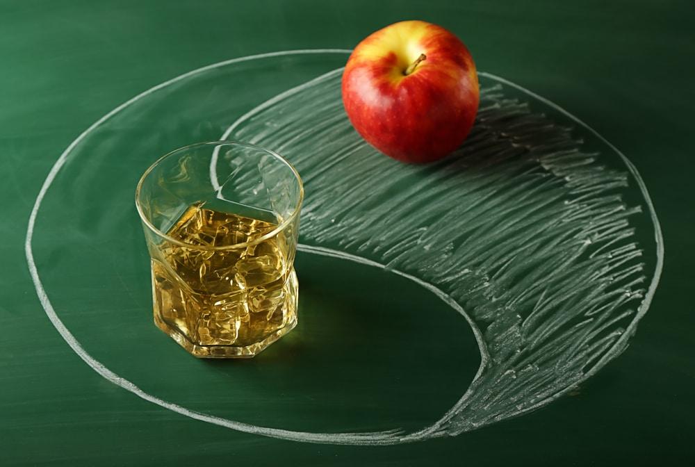 Виски с яблочным соком